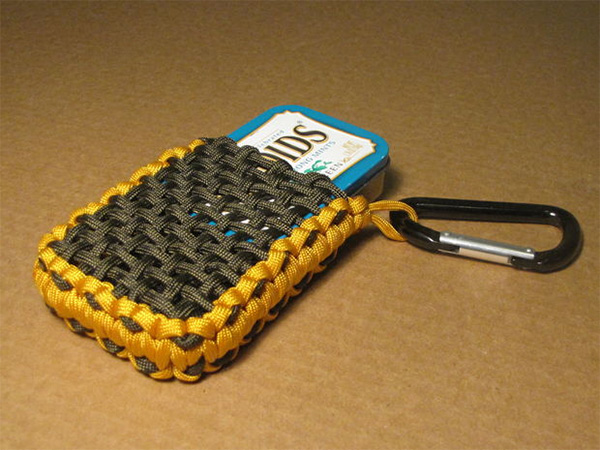 How to make a paracord pouch for survival a tin for How to make a keychain out of paracord